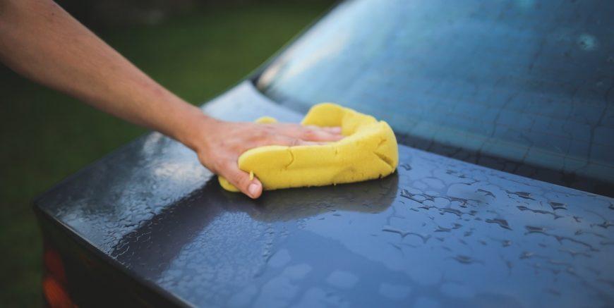 polerowanie i czyszczenie samochodu